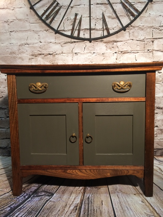 Antique Commode Cabinet   041076