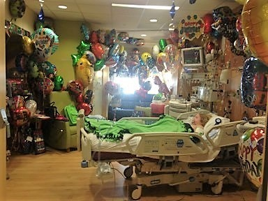 Carter Mears' hospital room filled with balloons