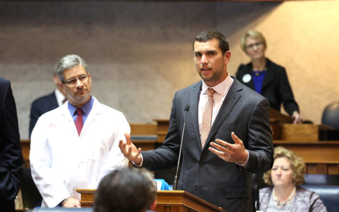newsroom-indiana-statehouse-supports-riley-hospital-and-andrew-lucks-change-the-play-02-10052015
