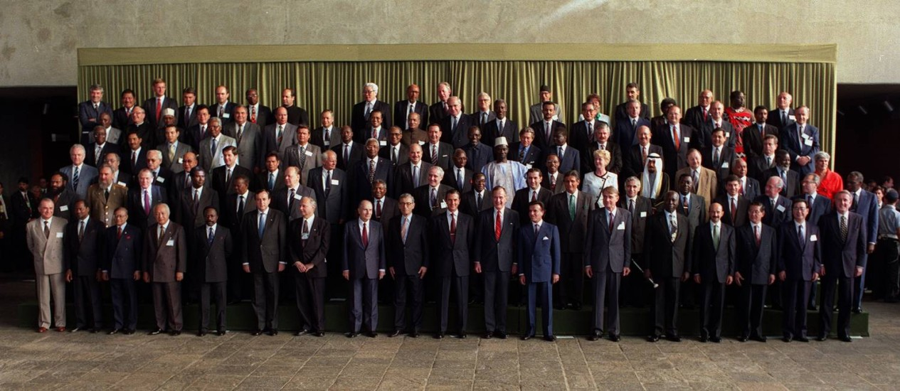 Ong | Foto oficial dos presentes na reunião da Rio 92
