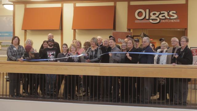 River Bend Growth Association Cuts Ribbon for Olga's Kitchen