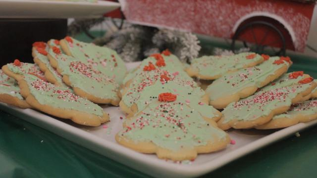 Freer Auto Body Cookies and Cocoa for Community Christmas