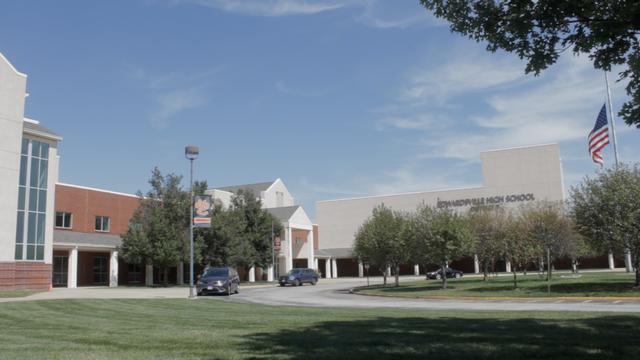 Edwardsville Starts School Year with Hybrid Learning