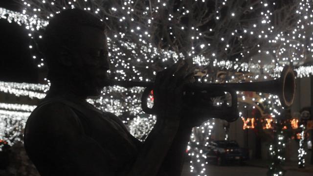 Netflix Brings Holiday Cheer to Alton