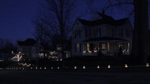 Middletwon Luminaries Light the way for Christmas