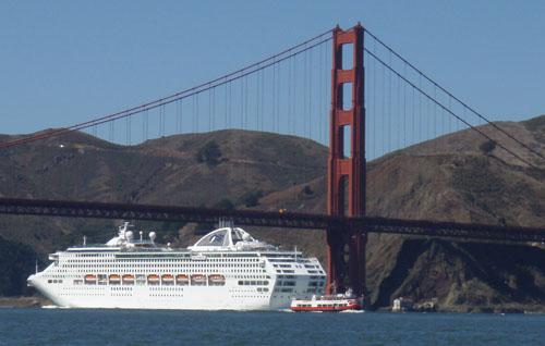 Departing cruise ship