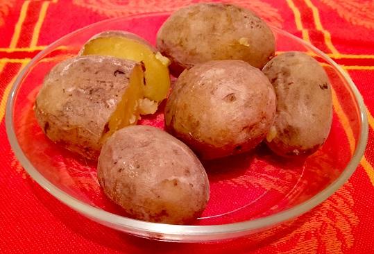 Kanarische Schrumpfkartoffeln