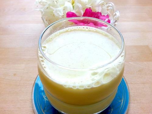 Kurkuma-Hanfmilch