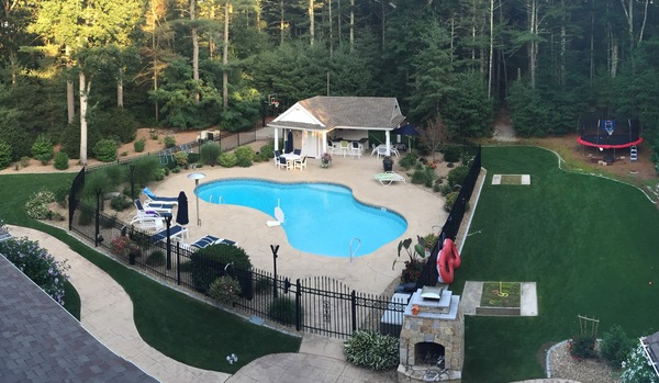 4100SF,CLEAN,PRIVATE,POOL&1 MILE FROM TP