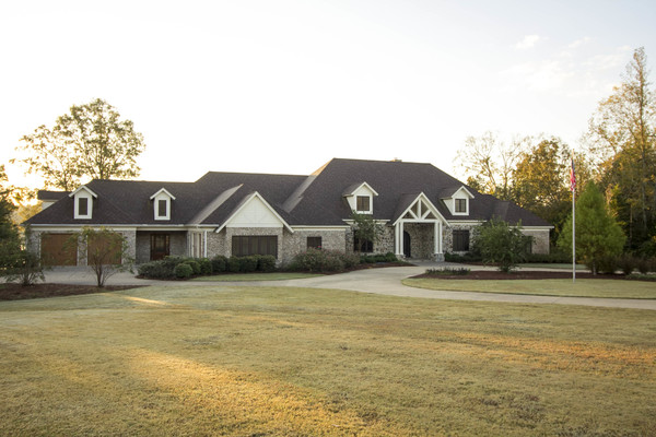 Getaway to this 800+ acre estate!