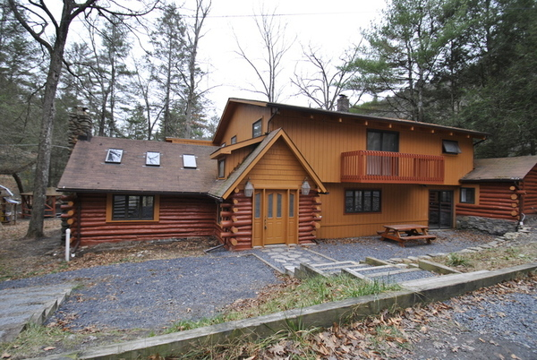 Bushkill Creek Lodge