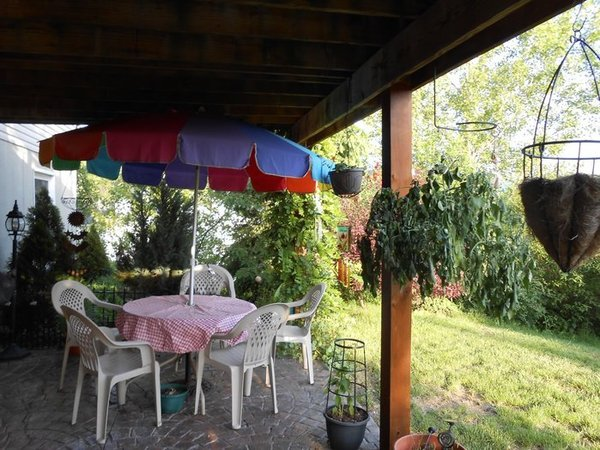 Charming patio apartment in pleasant fam