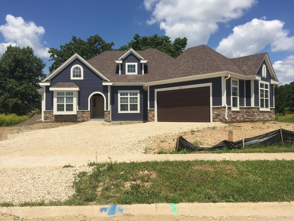 New Construction 9 miles from Erin Hills