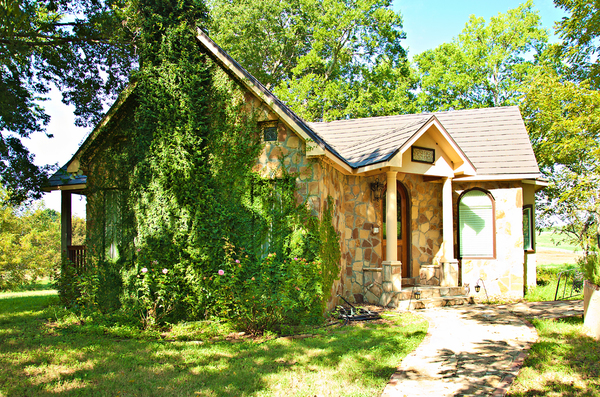 Fairytale Cottage Perfect for Couples