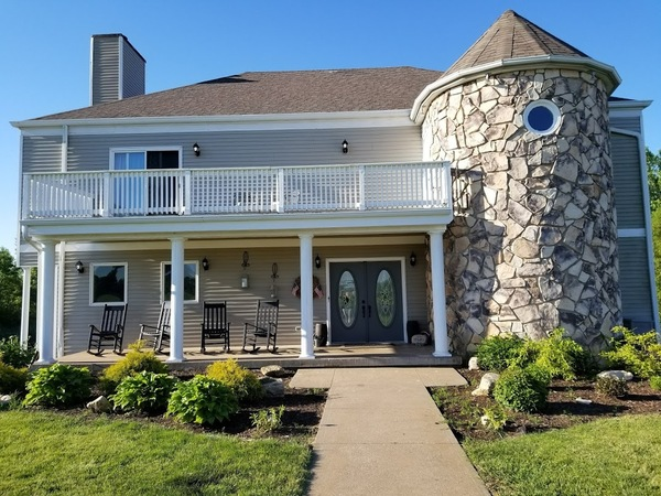 PRIVACY -11 acre 5 bed home with pond