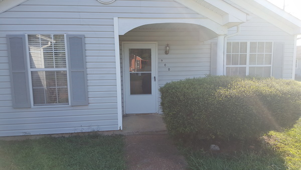Nice,roomy,clean home  close to Nashvile