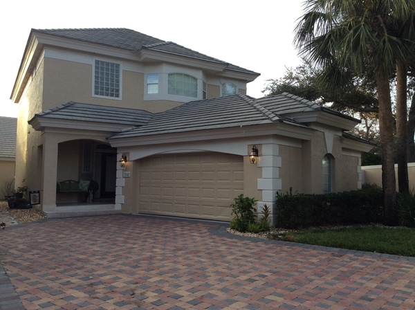 Sunny Florida Home .9mi from clubhouse!