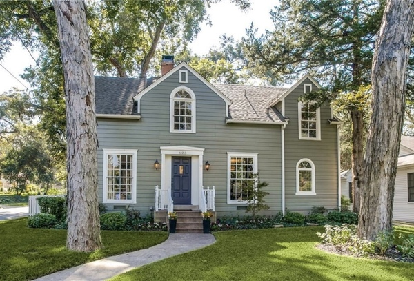 Beautiful and Charming Colonial Home