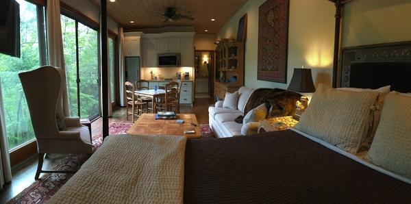 Guest studio on Lake Tuscaloosa