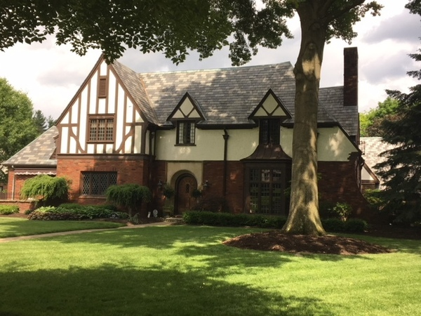 Beautiful Tudor with pool