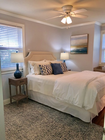 Walk to game! Turnberry condo