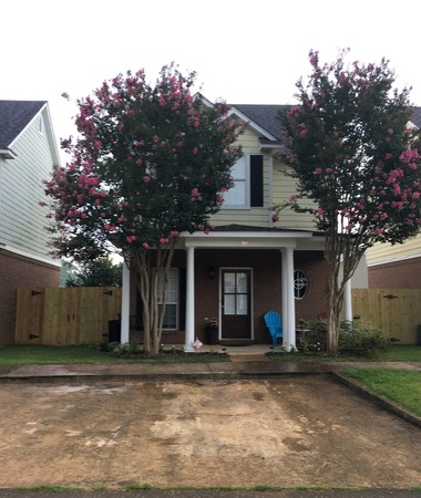 Lovely 2Br/2.5Ba two-story home