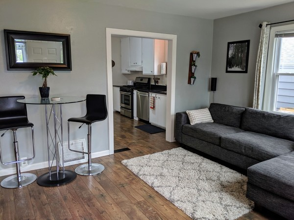 Perfect ND Rental 4 Blocks to Campus!