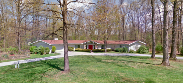Large home 3.5 miles miles from stadium