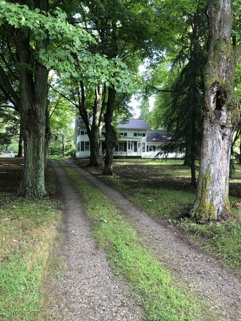 4BDRM - Historic Farmhouse on 100 acres