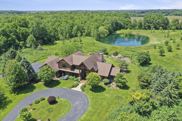Executive Retreat Home on 15 Acres