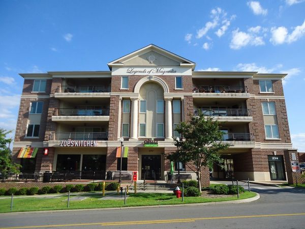 Luxury Condo only steps from Jordan Hare