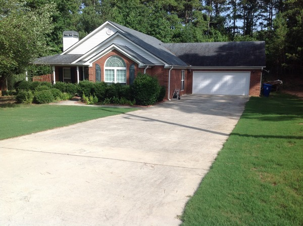 3 BR/2BA brick home with fenced backyard