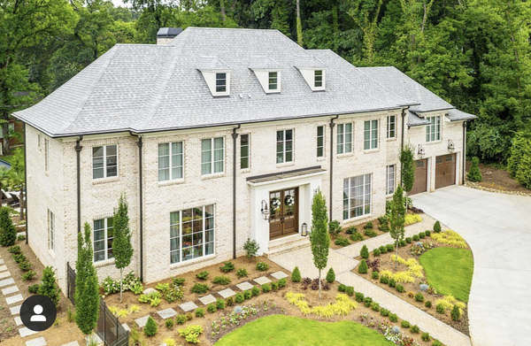 Beautiful Luxury MP Home w Outdoor Oasis
