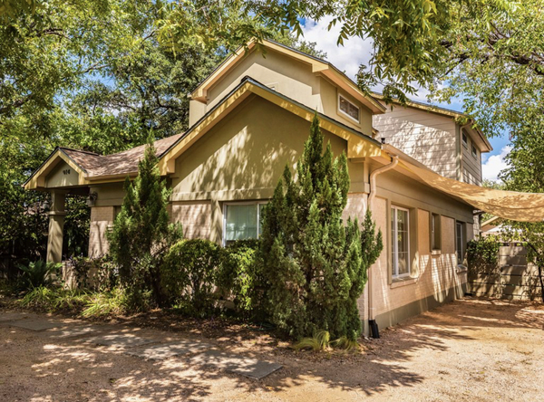 Next to SoCo + Parking by Golf Course!