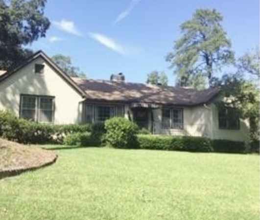 Masters Rental close to National