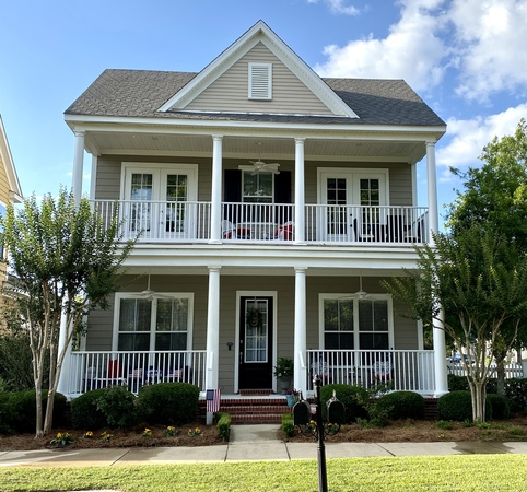 Southern charm balcony home w/waterview