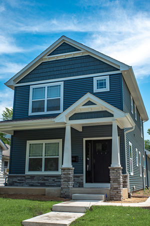 Newly Built Smart Home Close To Campus!