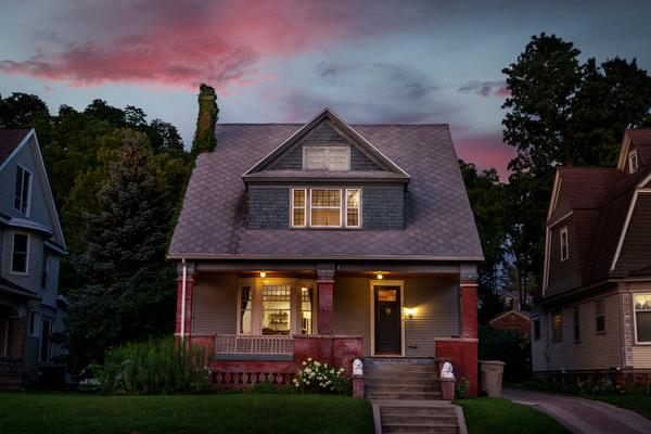 Beautiful restored home, walk to ND!