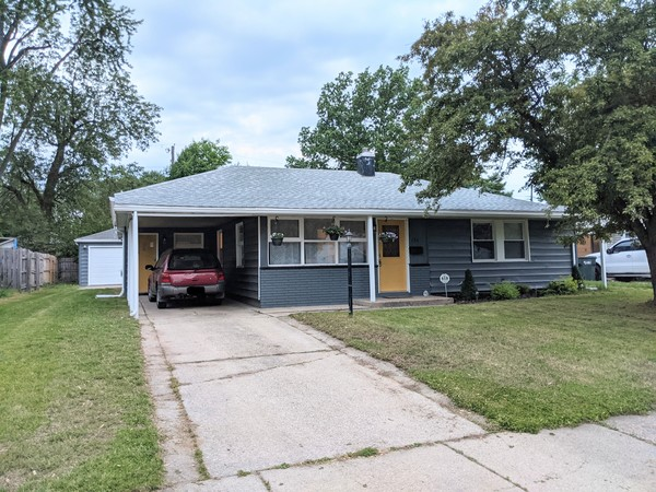 Clean & Comfortable Family Home Near ND