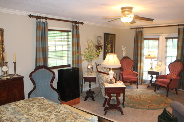 Lovely Home Close to Waverly Golf Course