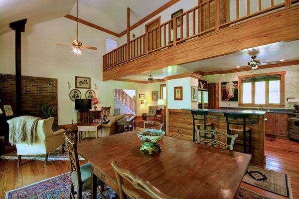Open Concept House 4 bdrm . Great Deck!