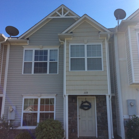 New townhome, just 10 miles from Auburn!