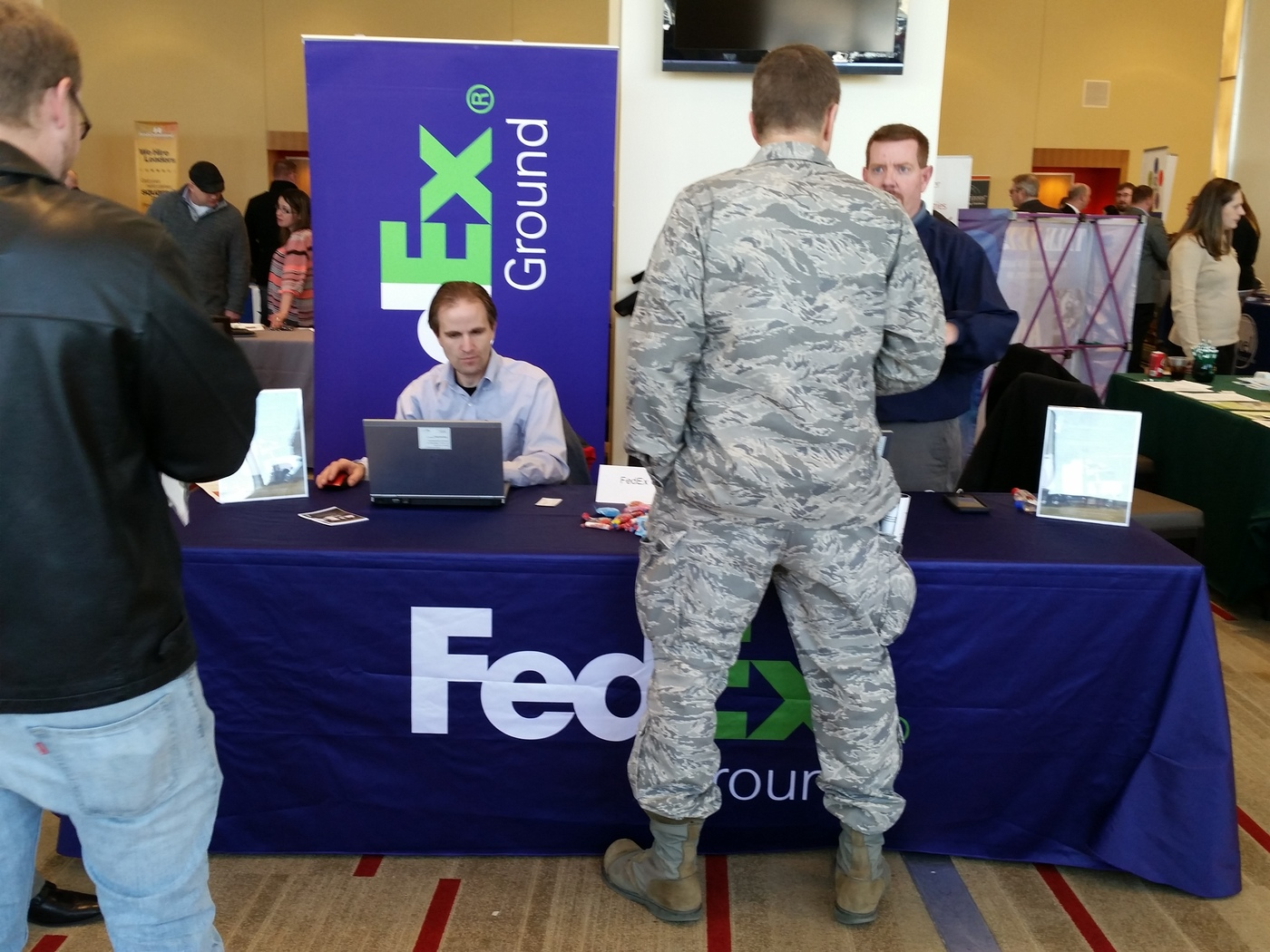 FedEx-veteran-job-fair