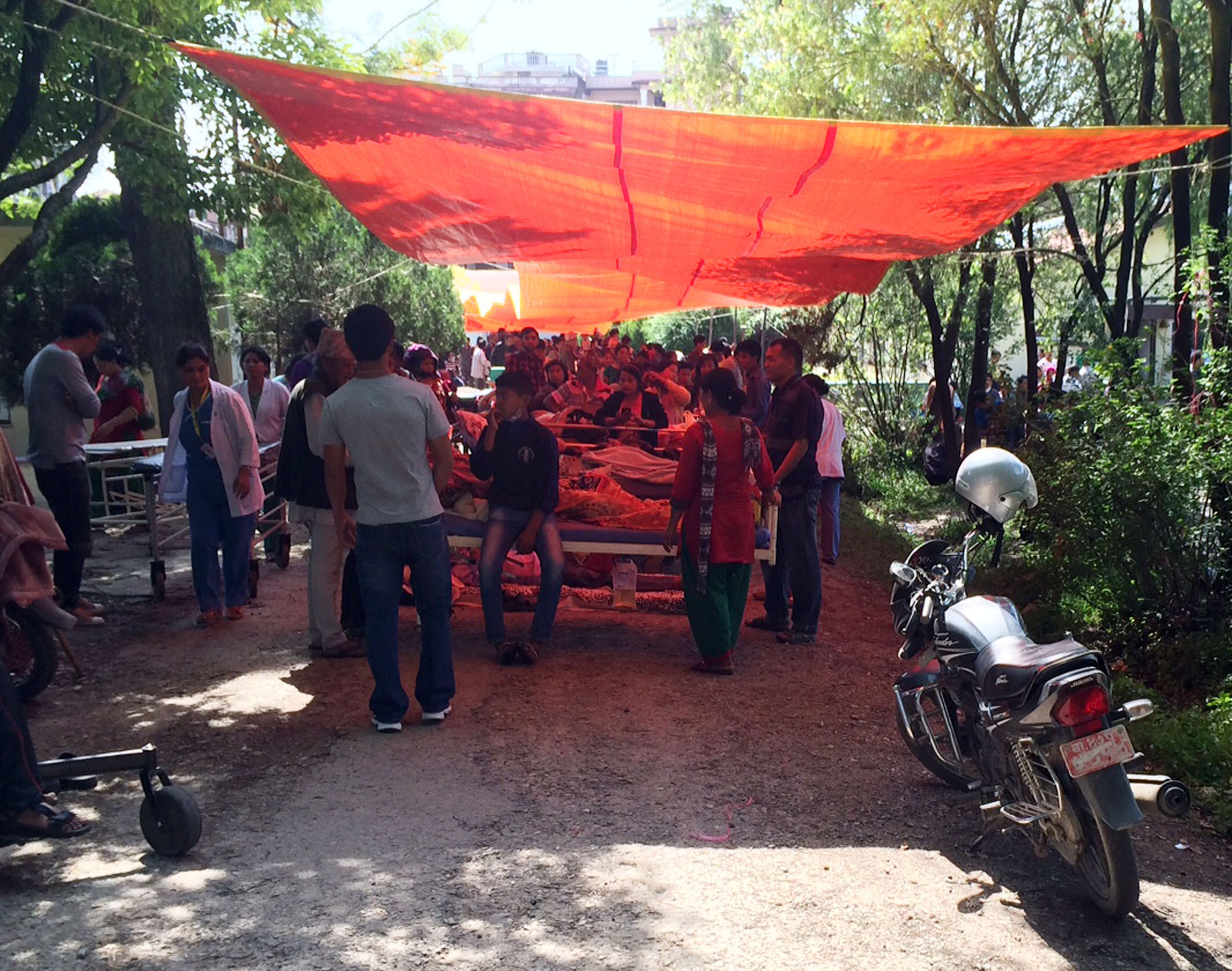1434553619 emergency room tent
