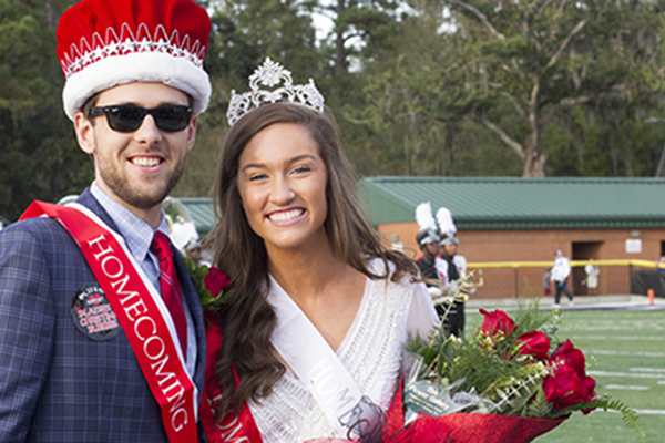 1447770179 homecoming king and queen