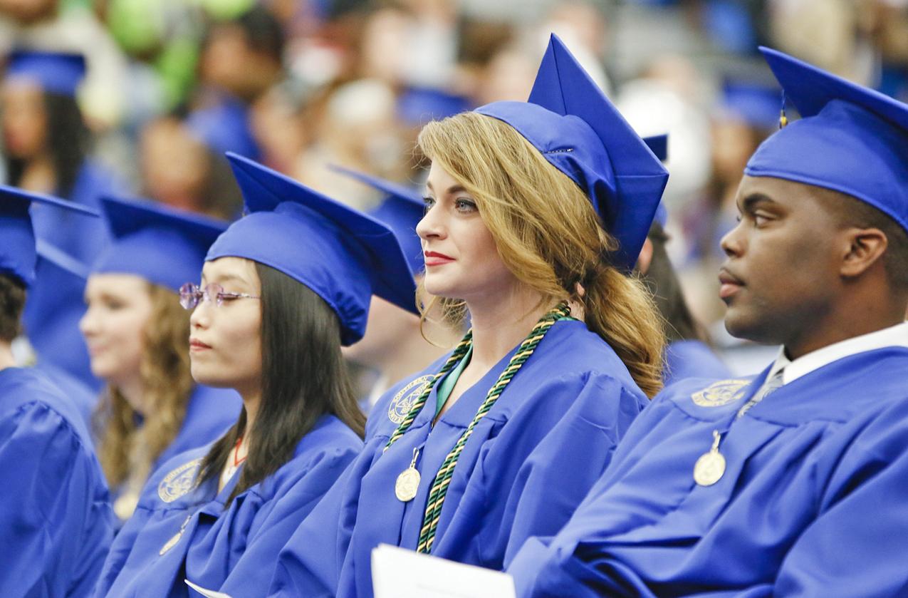 1450799017 sau dec15 graduation 1