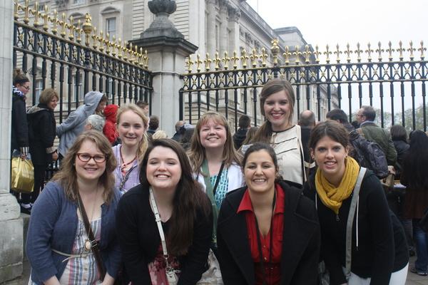 Mbu students visit buckingham palace