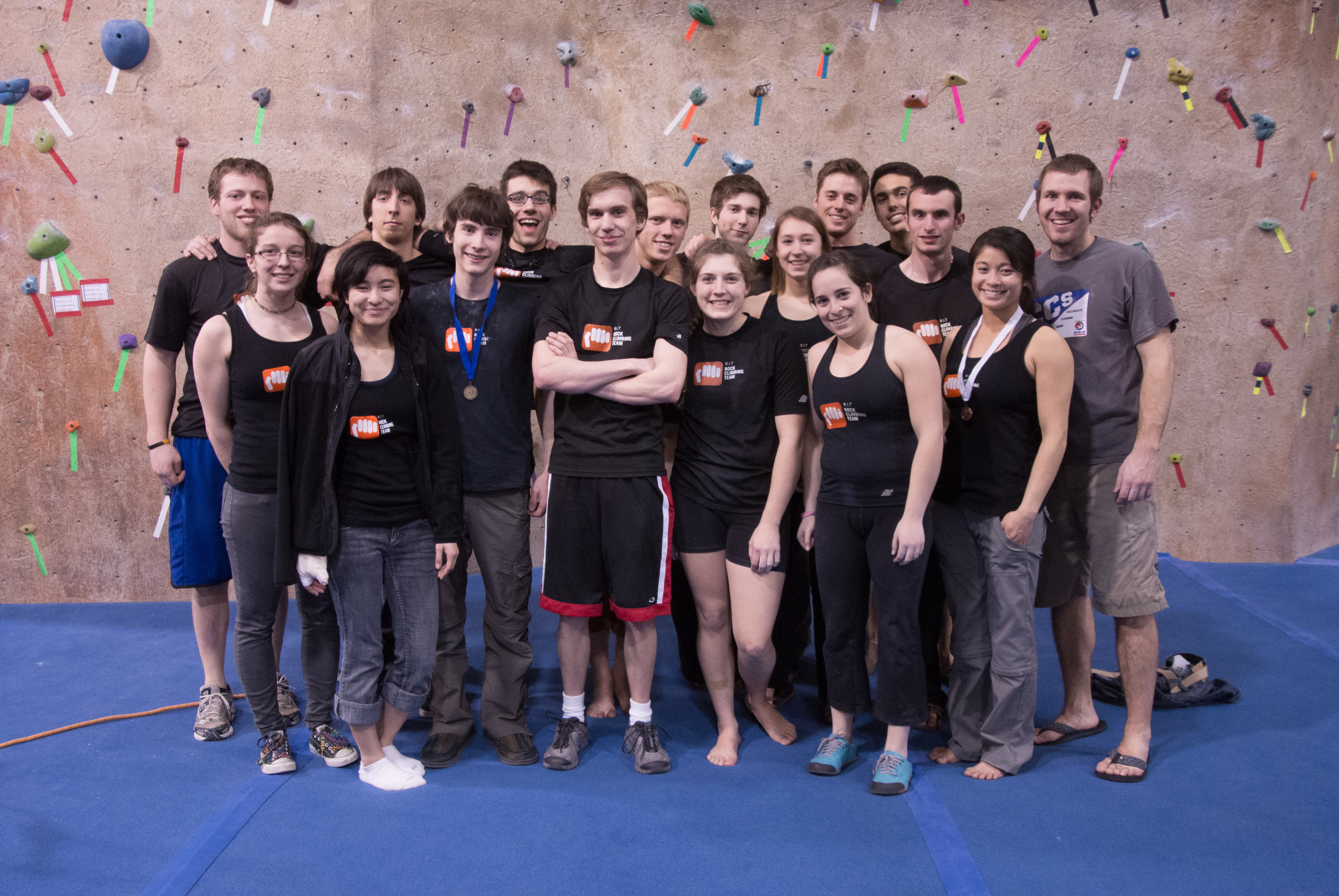 1371662732 rock climbing team