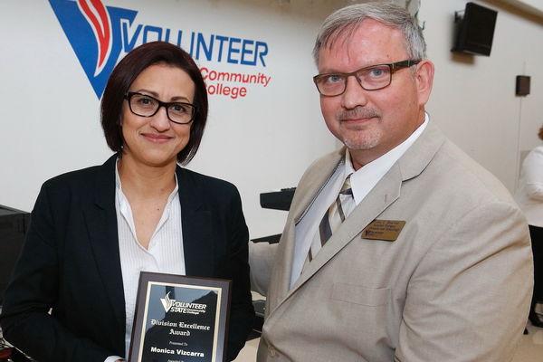 1462286792 vizcarra business award
