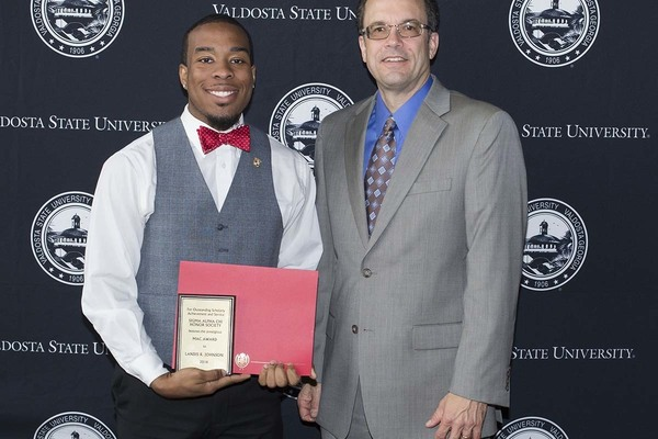 1463056975 landis johnson mac award